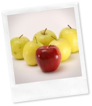 916607_red_apple_and_yellow_apples