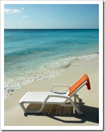 1368532_sunbed_on_tropical_beach