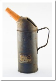 808952_oil_can
